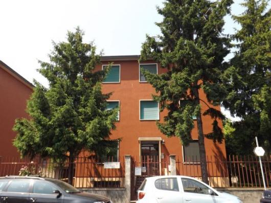 Trilocale Via Bagarotti Milano